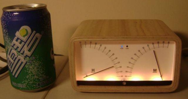 Servo Meter Clock