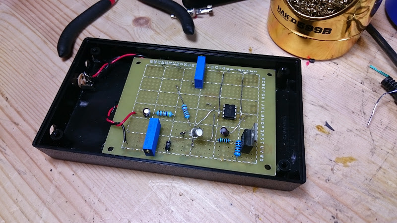 555 timer teardown and a retrovoltage drum trigger project retrovoltage. Black Bedroom Furniture Sets. Home Design Ideas